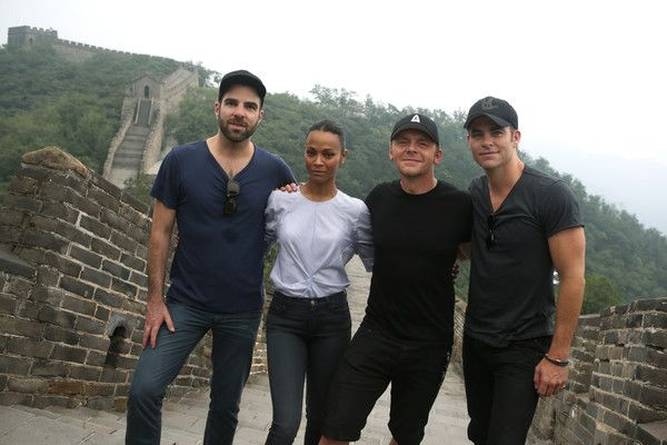 """(L-R) Zachary Quinto, Zoe Saldana, Simon Pegg and Chris Pine visit the Great Wall during the promotional tour of the Paramount Pictures title """"Star Trek Beyond"""", on August 17, 2016 in Beijing, China."""