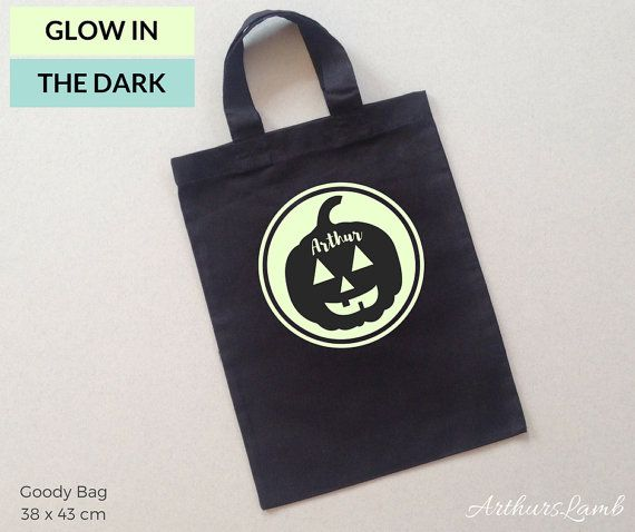 This personalised Pumpkin Logo Graphic is great for fall, but especially cute for Halloween!! And with this personalised Glow in the Dark Pumpkin trick or treat bag you are sure to stand out!! So whether you are looking for a personalised Halloween gift, Halloween treat bags or even a Fall gift, this bag personalised with any name will be a much loved addition to the celebrations!! When ordering, please note the name required in Comments to Seller box during checkout. Measurements…