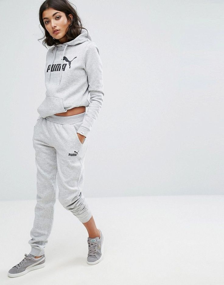 Get this Puma's track trousers now! Click for more details. Worldwide shipping. Puma Classic Logo Sweatpants In Grey - Grey: Sweatpants by Puma, Soft-touch sweat, Stretch waist, Side pockets, Fitted cuffs, Relaxed fit, Machine wash, 69% Cotton, 31% Polyester, Our model wears a UK S/EU S/US XS and is 173cm/5'8 tall. Mixing the world of sports and lifestyle, Puma's innovative products successfully fuse the creative influences from the world of sport and fashion. Embracing contemporary design…