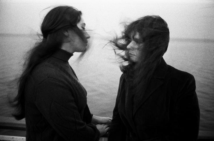 Två kvinnor på Ladoga, 1980 Foto: Caj Bremer