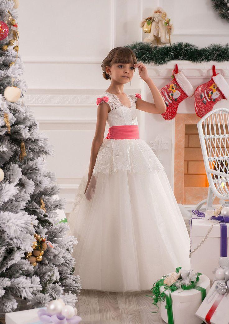 2017 Lovely V-neck Ball Gown Floor-length Flower Girl Dresses With Bow Lace up Back Kids Pageant Dresses Robe fille fleur