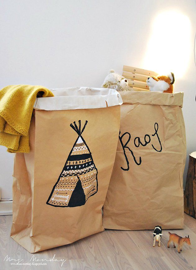 wonderwood | diy dekorerte papirposer // decorated paper bags -- fun idea for kids to do on their own too