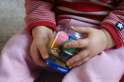 Słoiczek grzechotka dla malucha. Jar rattle for the toddler.