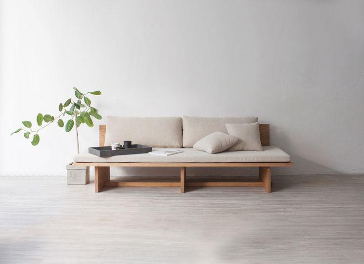 blank-daybed-sofa-munito-1 - Design Milk