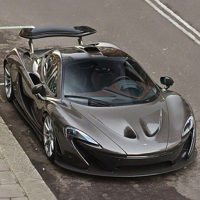 """McLaren P1  Follow @McLaren_Motorsports  Freshly Uploaded To www.MadWhips.com  Photo by @henzhypercarz"""