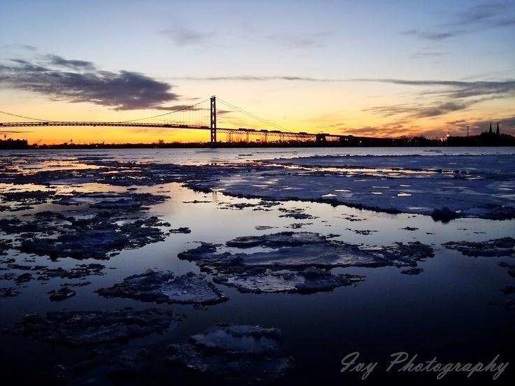 Sunset - Windsor, Ontario  Photo: Ashlyne O'Neil (Ivy Photography)