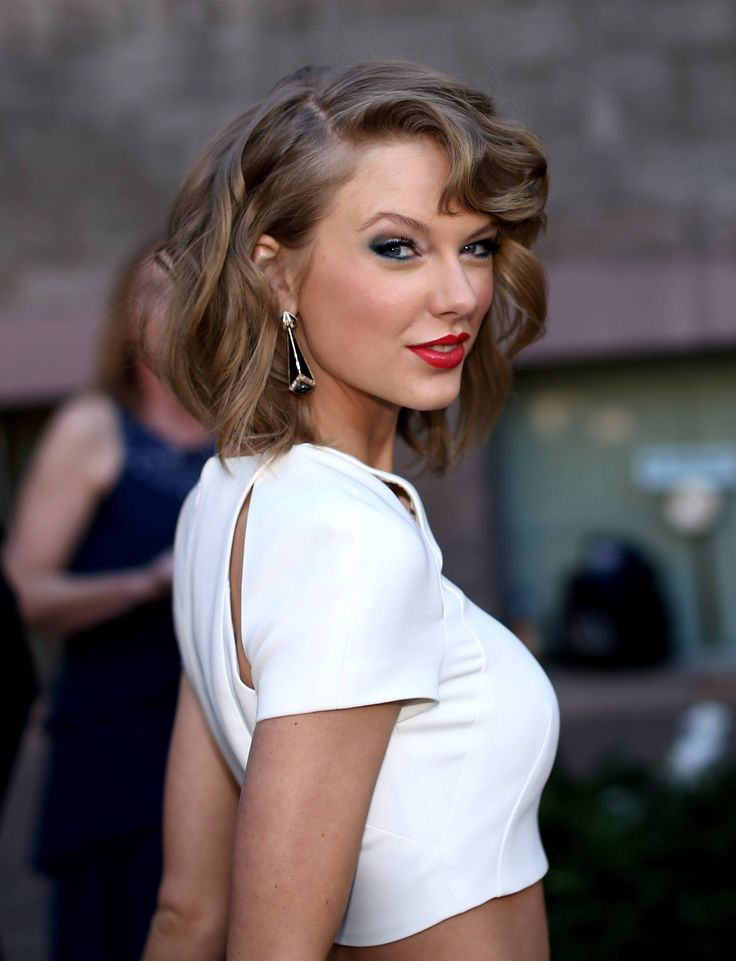Nice 10 Hot Taylor Swift Wallpapers http://www.designsnext.com/10-hot-taylor-swift-wallpapers/