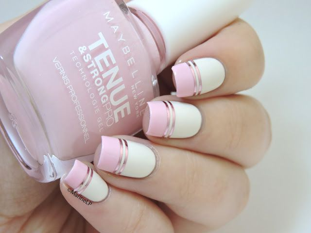Doublegum // La manucure graphique tout en douceur - pink graphic nails with double striping tape - Barry M Coconut - Maybelline Pink in the park