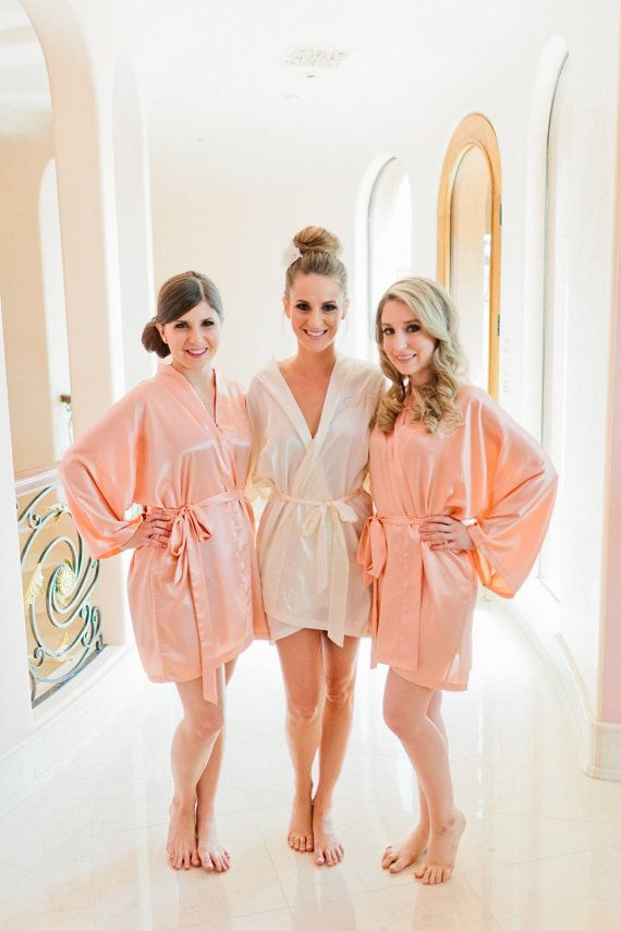 A cute bridesmaid gift idea: dressing robe for the wedding day, could monogram with initials