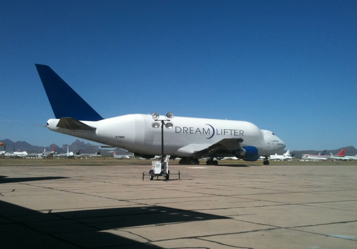 Boeing dreamlifter Would you believe only the flightdeck area is pressurized