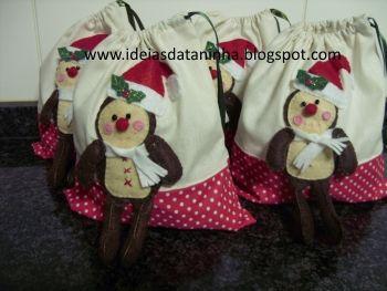 Miminhos em feltro- sacos para doces de natal com aplicação em feltro
