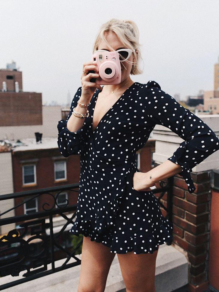 Josefin Dahlberg - I Josefin Dahlbergs blogg får vi läsa om hennes vardag, inspireras av hennes outfits, få tips om hur man vågar följa sin dröm och råd om vad vi måste göra för att kunna skapa våra drömliv.