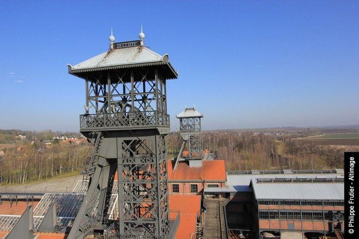 La Fosse Delloye est une ancienne mine de charbon, qui a été transformé en un musée de l'exploitation minière. Dans le bassin minier historique de Lewarde