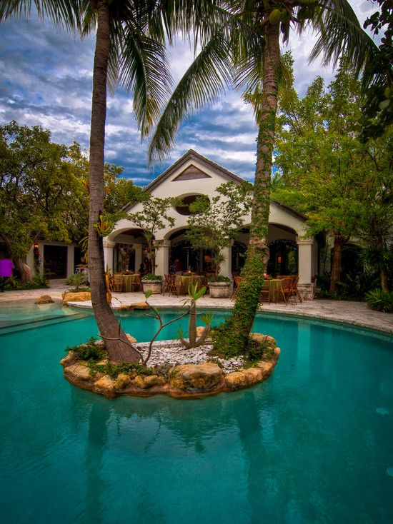 your own backyard islandSwimming Pools, Pools Islands, Mediterranean Pools, Dreams, Tropical Pool, Latour Photography, Pools Ideas, Pools Design, Heavens Pools