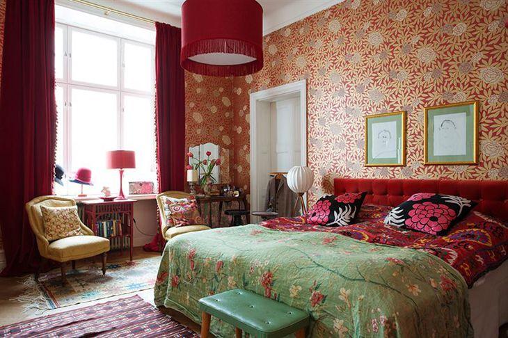 This apartment belongs to Charlotte Pettersson who works at Swedish magazine Sköna hem