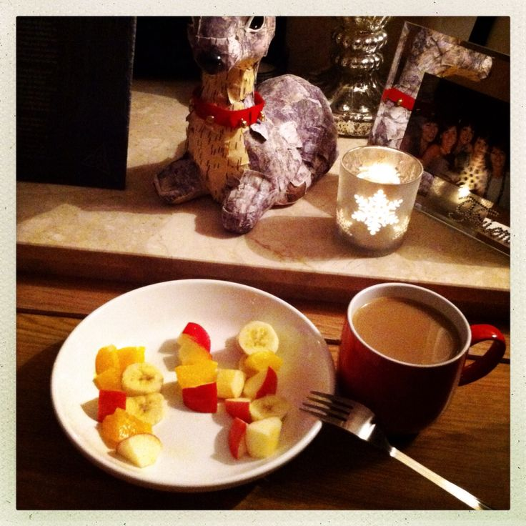 14. Dec 2013: A quiet afternoon with some fruity treats and a big cup of Java after yesterday's fantastic night out in Guernsey
