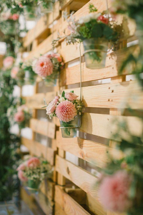 floral palettes en bois rustique décoration de mariage