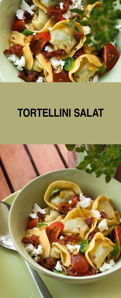 Mein Rezept für Tortellinisalat bereite ich immer gerne zu, wenn ich unterwegs bin oder auf der Arbeit und ein Essen To Go mitnehmen möchte. Sehr gerne bereite ich ihn aber auch für ein Salatbuffet, zum Grillen oder BBQ zu. Eigentlich geht Nudelsalat doch immer, oder?