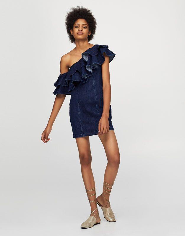Strak aansluitende denim jurk met volants - Jurken - Kleding - Dames - PULL&BEAR België