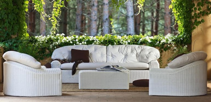 11 best white gloss images on pinterest homes coffee for Table exterieur unopiu