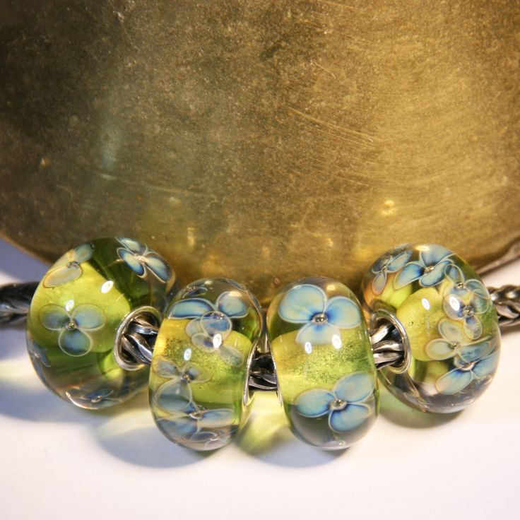 Green flowers by Anne Meiborg. fit Trollbeads. www.annemeiborg.etsy.com