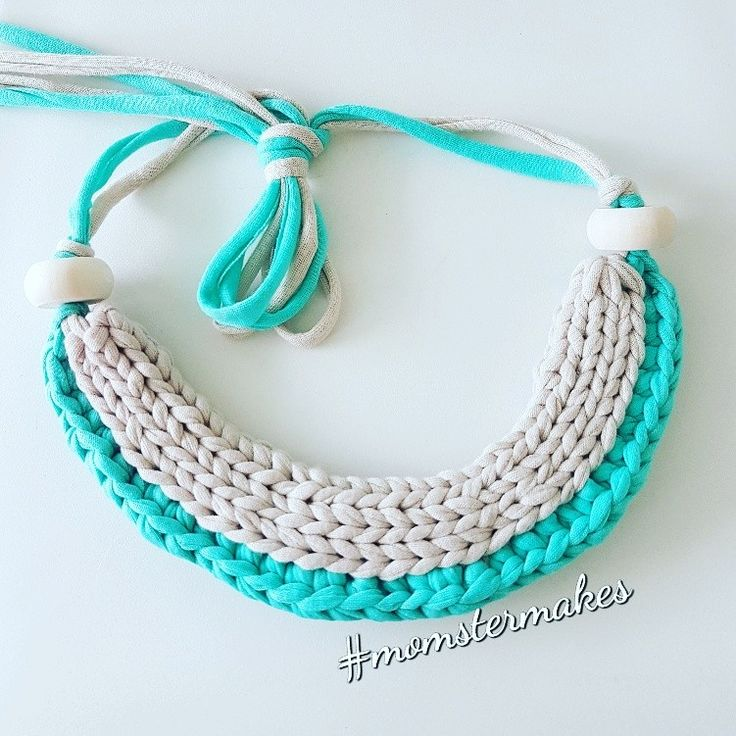 Statement Yarn Necklace #momstermakes