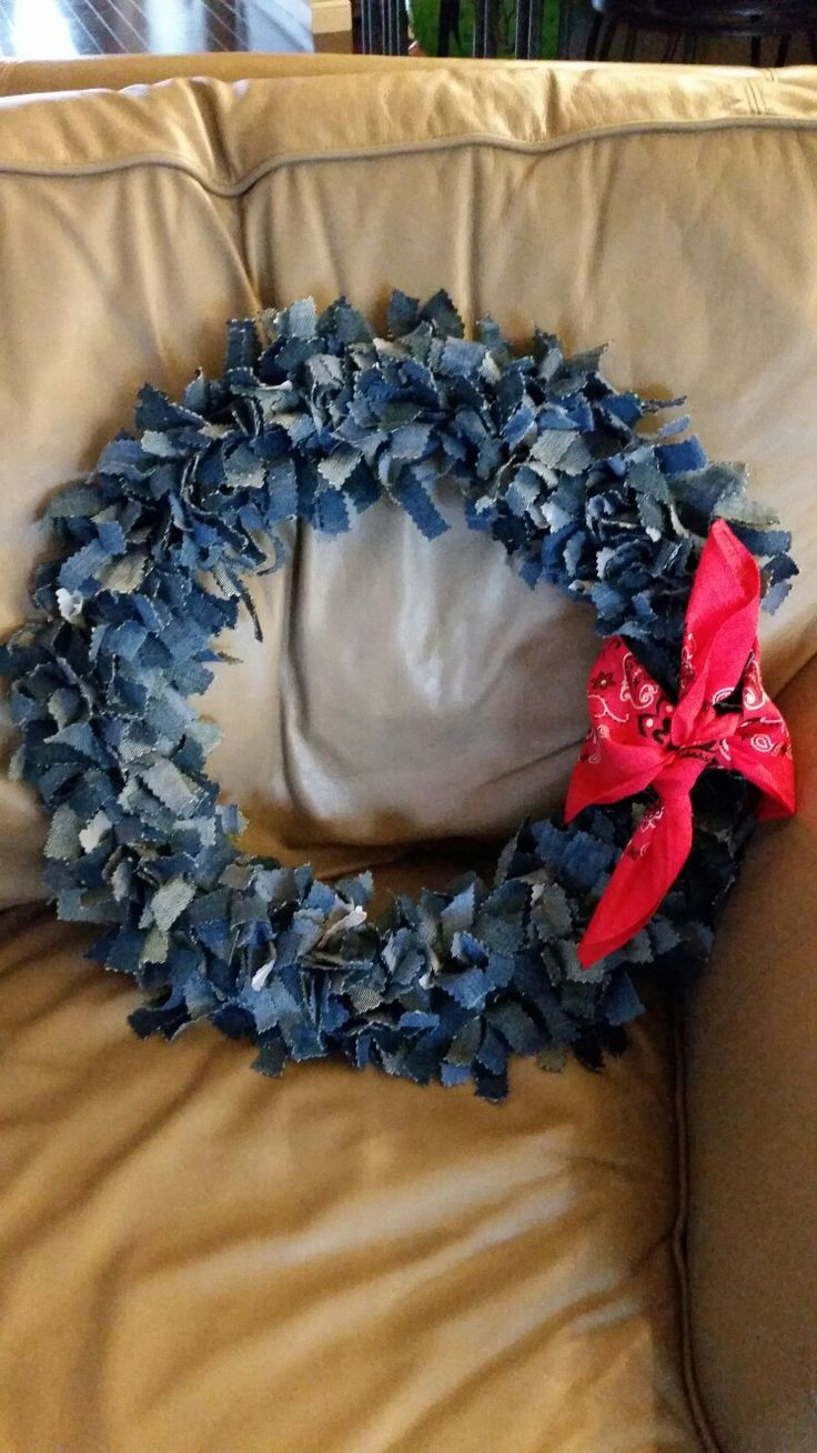 Denim wreath I made!! | projects I've done | Denim decor ...