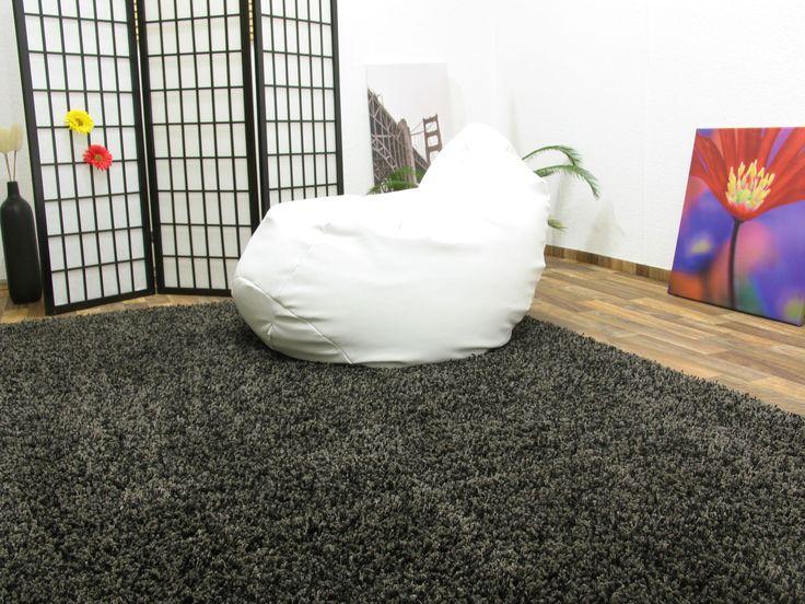 Alfombra de pelo largo: La mejor manera de elegir la alfombra de pelo largo es escogiéndola según la decoración de nuestro ambiente. http://www.equipamientohogar.com/decoracion/alfombra-de-pelo-largo/ http://www.ventaalfombras.net/tipos/alfombra-pelo-largo.html http://www.casablanqueria.com/alfombras-y-tapetes/como-aspirar-una-alfombra-peluda/