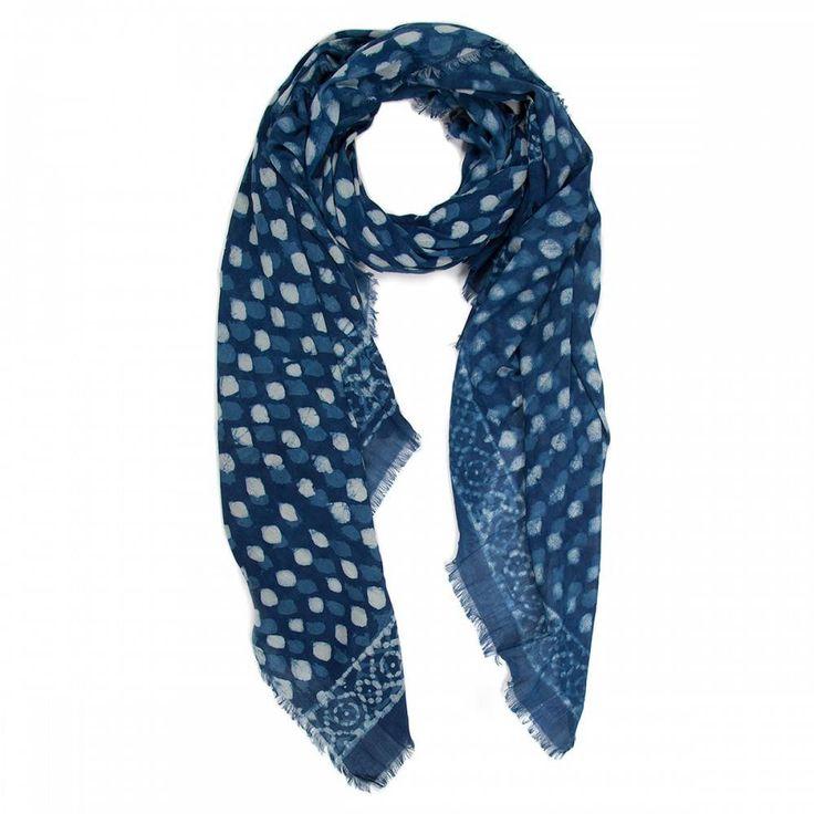 Handgedrukte sjaal via blokdrukmethode - plantaardige kleurstoffen. #mebracelet #tantrend #handmade #handgemaakt #sjaal