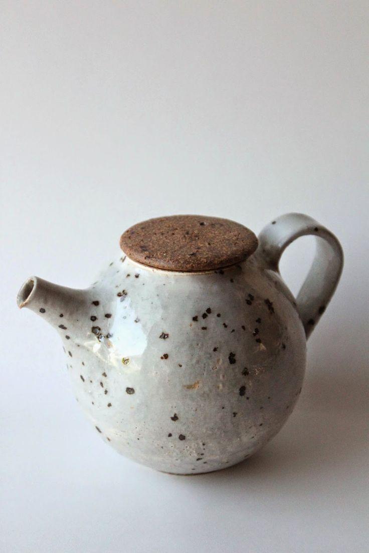 mayumi yamashita 'me faire moi' Japanese ceramic teapot.