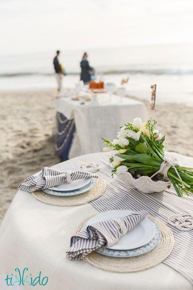 con della corda si possono fare dei sotto piatti in stile marino - idee sala da pranzo - soggiorno all'aperto