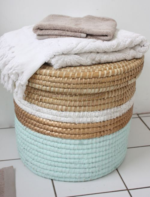 DIY : painted laundry basket