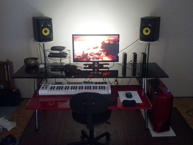 IKEA Hackers: Biginfrikinhevi: Red and black home studio desk