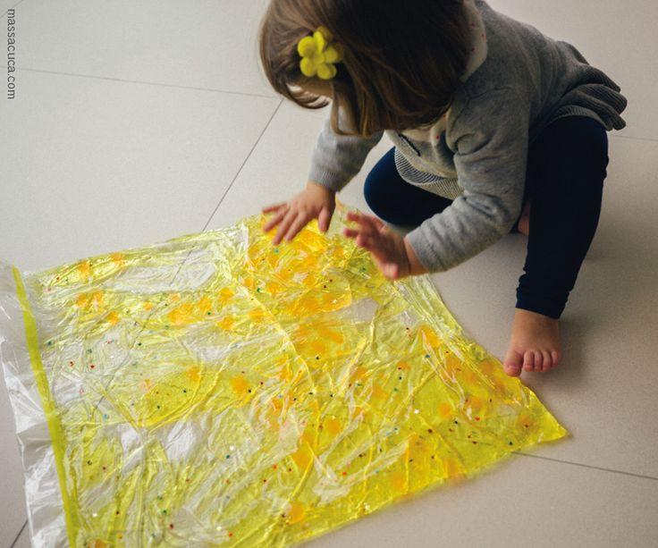 Aprenda a fazer um saco sensorial para estimular o tato e a visão