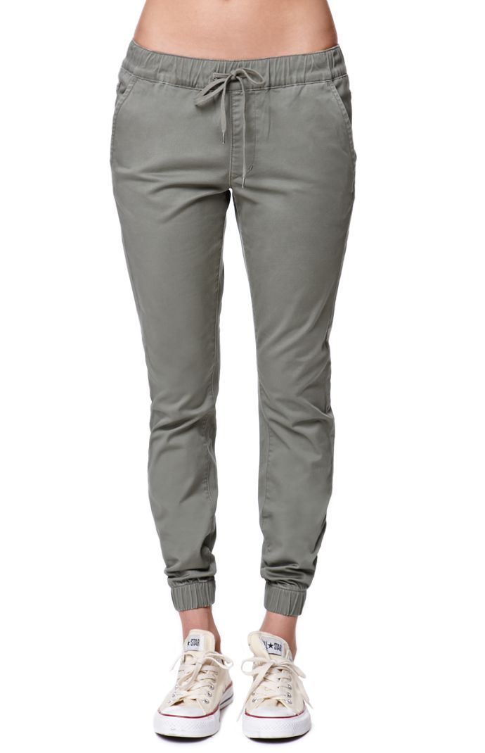 "The women's Bullhead Denim Co. Chino Twill Drawcord Jogger Pants for PacSun and PacSun.com have a super comfortable elastic waistband with a drawcord. We love the relaxed fit and wear these with a basic tank and layer with a cardigan or jacket.	10"" rise	26"" inseam	Measured from a size medium	Model is wearing a size medium	98% cotton, 2% spandex	Machine washable	Imported"