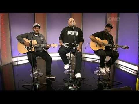 "Fiji's Live Performance with Soul Brothers Adeaze on the ""One"" morning s..."