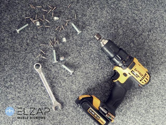 Czy wiecie, że Elzap ma najlepszych montażystów na świecie ? Odwiedź naszą stronę i sprawdź, czym jest usługa ELZAP TO DOOR ! 👍  ✏🛠🔩🔧  #elzap #meble #biuro #montaż #praca #kochamswojaprace