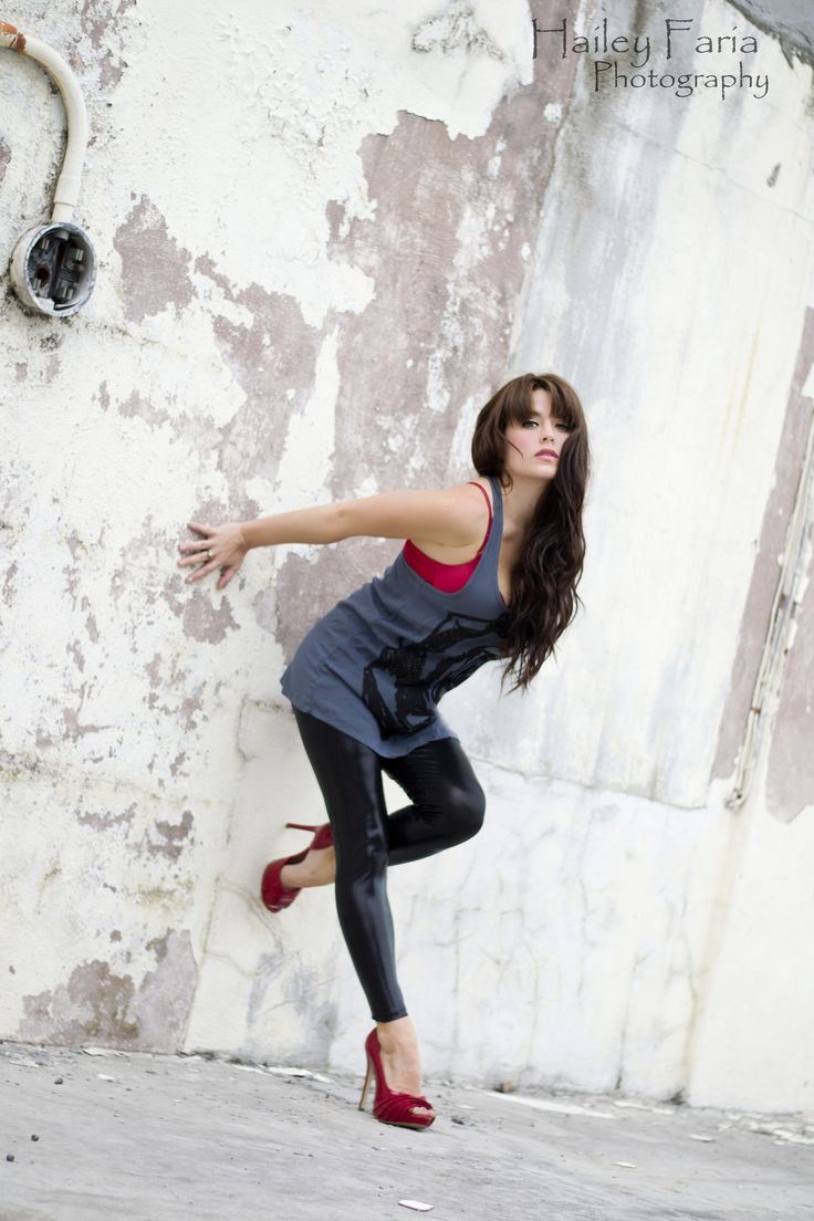 Urban modeling - red shoes - leather pants - styled photography