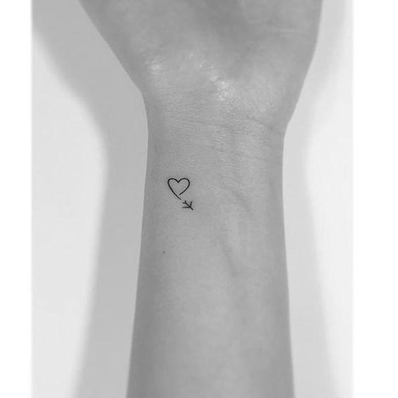 56 kleine sinnvolle Tattoos für Frauentattoos Frauenbein – Tattoo … – Tattoo … #Tattoos