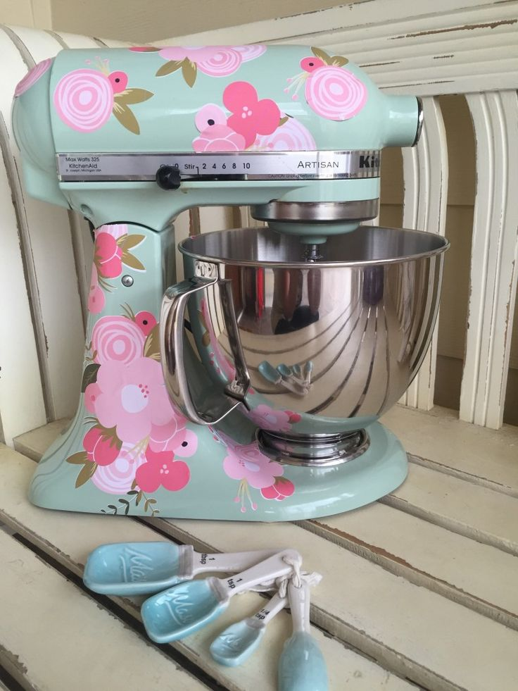 Printable vinyl with the Silhouette. I need to pretty up my KitchenAid mixer!