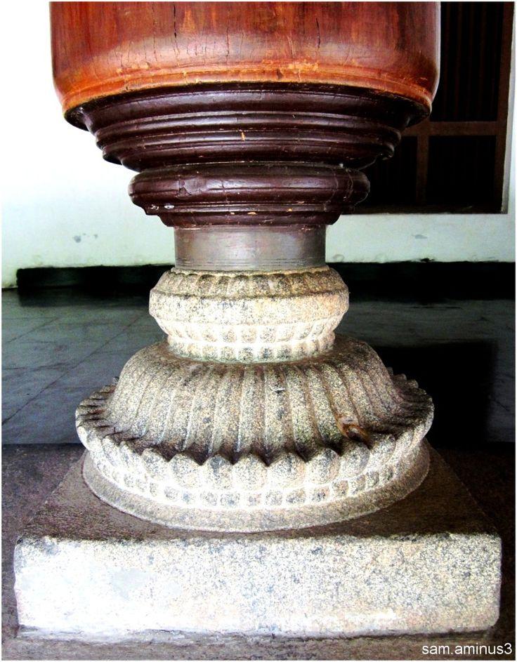 Dakshina Chitra, Tamil Nadu column detail