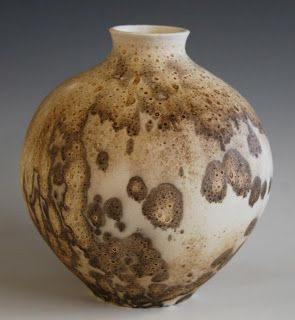 Obvara pot - firing then scalding the surface