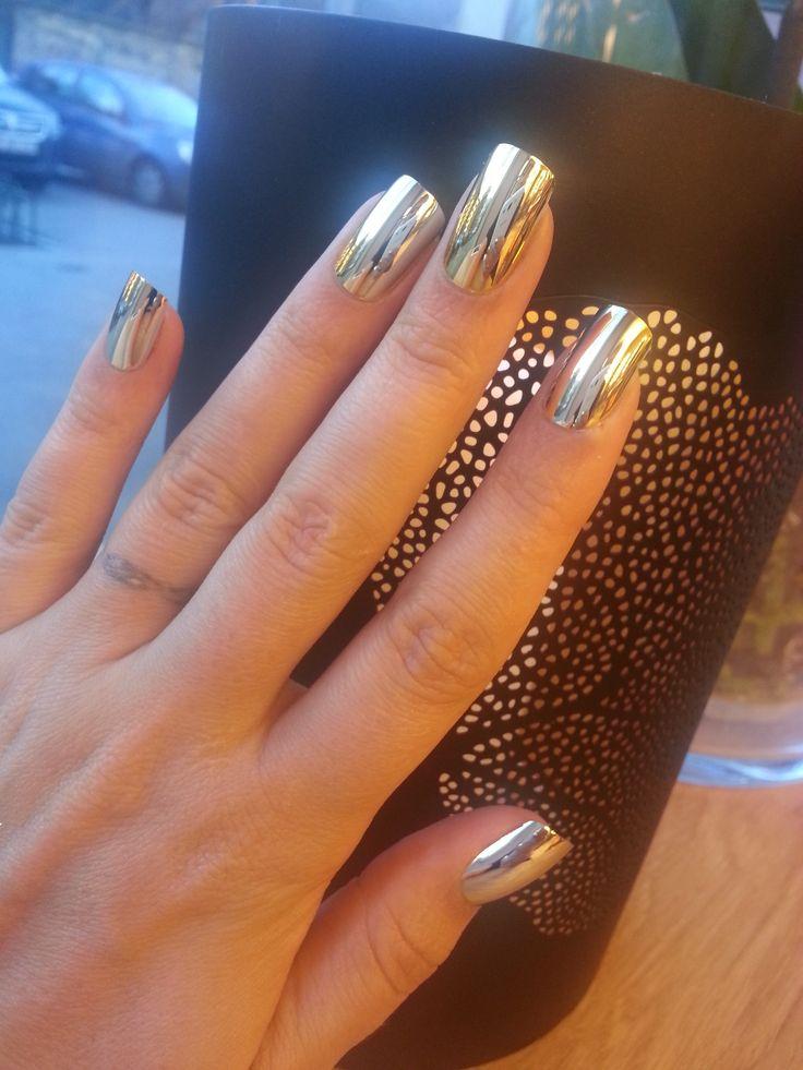 I love metallic nail! And they love me <3