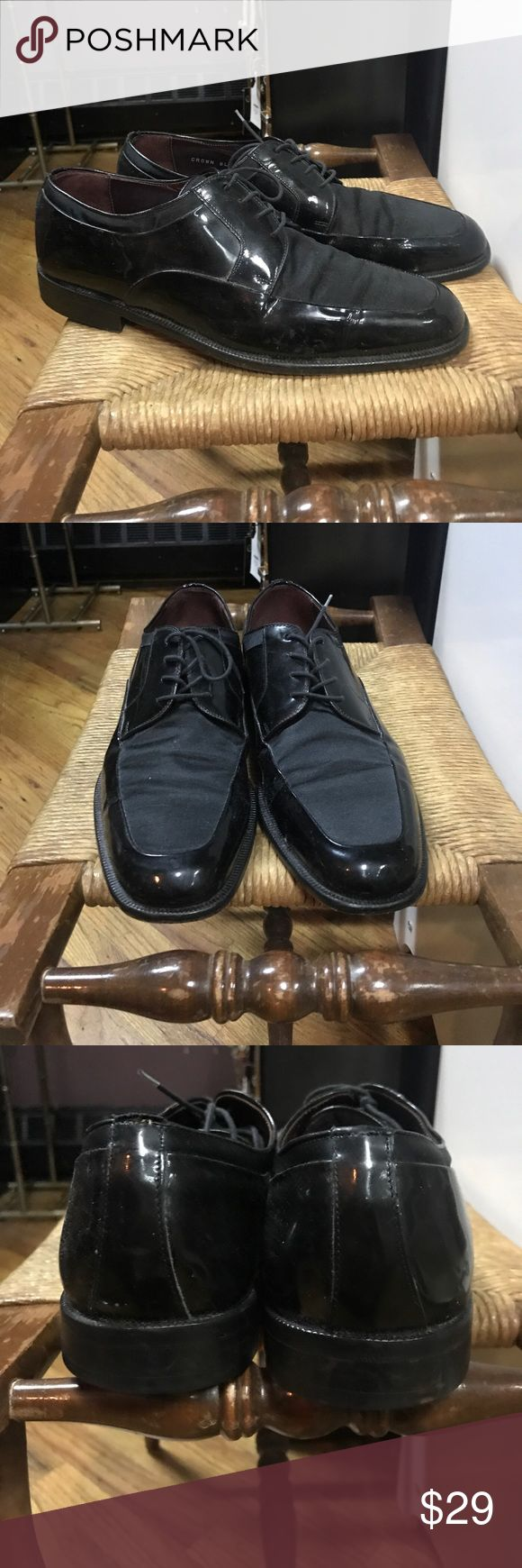 Sandro Moscoloni patent & nylon black dress shoes Sandro Moscoloni Black patent leather & satiny nylon, lace up, dress shoes. EUC. Only flaws is some scuffing to heels. Sandro Moscoloni Shoes