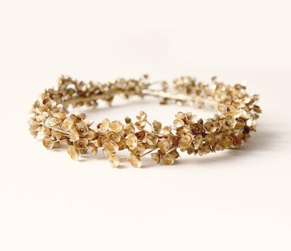 Golden baby's breath halo, Gold flower crown, Unique bridal headpiece, Wedding floral crown, Golden bridal wreath - ALCHEMY