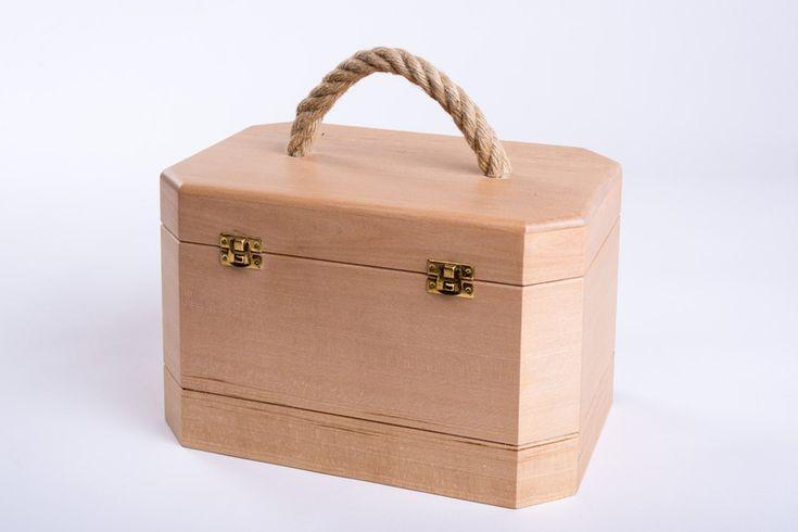 """Beauty case """"Lisa"""", Kosmetikkoffer in Lindenholz - ein Designerstück von naturholztischlereilunger bei DaWanda"""