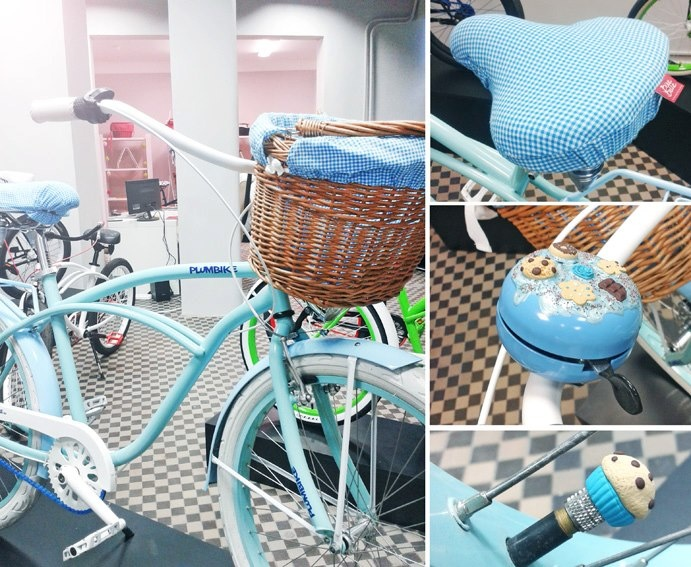 Blue bike styling idea | Cruiser by Plumbike | Accessories by BikeBelle.com