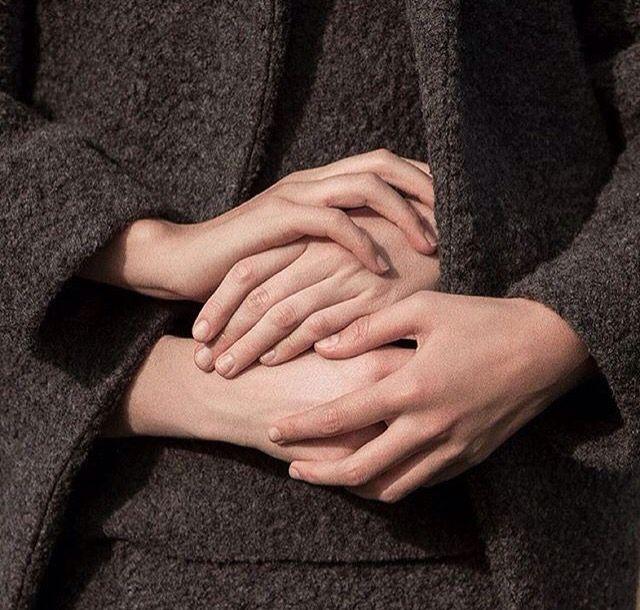 кожи картинки два пальца обнимаются сих
