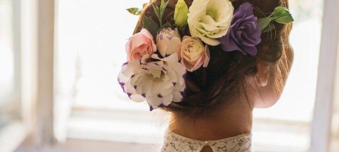 Het bruiloft seizoen is weer gestart! Of je nou zelf gaat trouwen of te gast bent op een bruiloft, er hoort een prachtig kapsel bij. De standaard opgestoken coupes zijn vaak gebaseerd op lange dikke lokken, daarom hebben wij een aantal haarstijlen per haartype opgezocht. Of je nou dik, dun, lang of kort haar hebt, voor ieder is er een passend kapsel!
