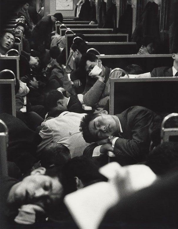 55 Tren por la mañana temprano, Japón, 1964